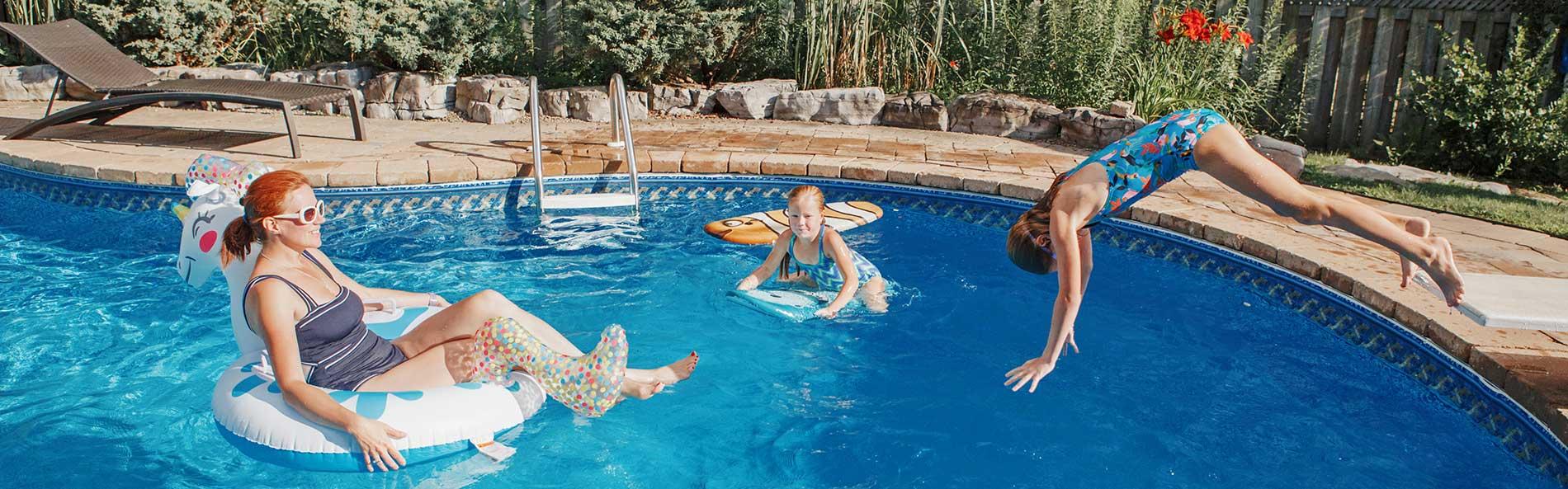 Overhead-Coverage-Hot-tubs-decksidepoolandspa
