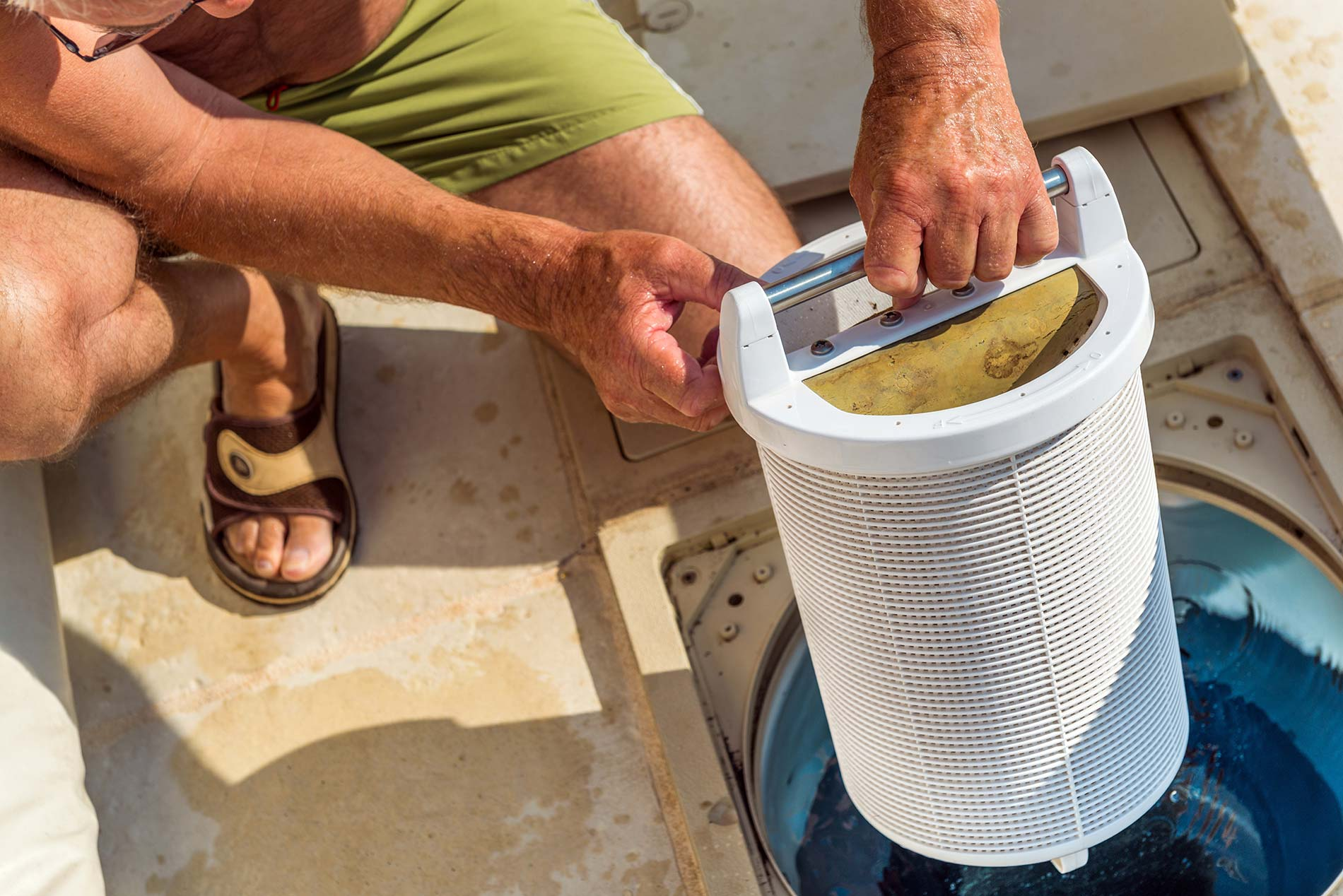 changing-of-pool-filters